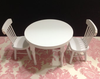 Dollhouse Miniature Kitchen Furniture White Wood Round Dining Table w/ 2 Chairs Set