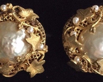 Gorgeous Vintage Miriam Haskell Earrings~Baroque Pearl/ Gold-tone Filigree~Signed