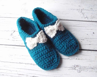 Slippers, womens slippers, crochet slippers, adult slippers, women's slippers, crocheted slippers, slippers women