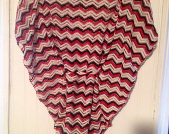 Cute reto red, white and black zig zag hippie/boho shirt