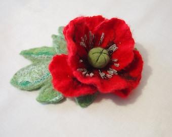 Felt flower brooch-Felt flower pin -Felt poppy-Felted brooch-wool flowers-Red Poppy -poppy brooch-Felt poppy