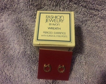 Vintage Fashion Jewelry by Avon Wreath Pierced Earrings with surgical steel Posts New in Box