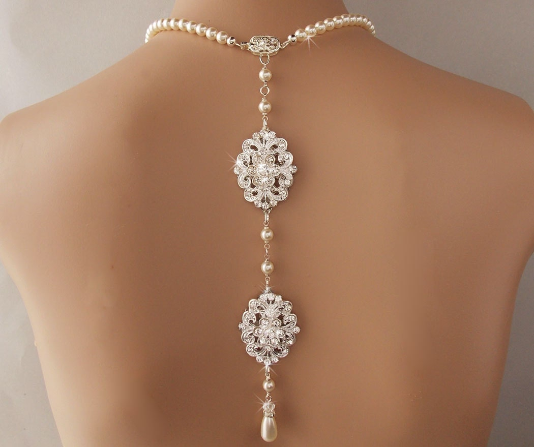 Necklace With A Pearl: Backdrop Necklace Wedding Necklace Pearl Necklace Statement