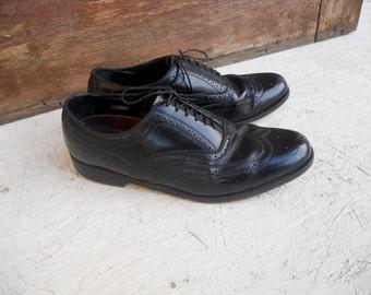 Vintage Men's Black Leather Florsheim Wingtip Shoes . Size 9 D FREE SHIPPING