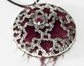 """free """"Electron"""" pendant, silver Garnet and natural feather"""
