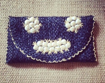 Vintage 1970's Straw Clutch With Shell Detail