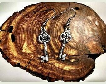Antique Key Earrings, Hypoallergenic Earrings, Surgical Steel Hooks, Steampunk Key Earrings, Antique Silver Earrings, Handmade Jewelry