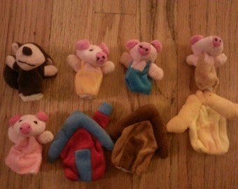 3 little pigs story telling finger puppets