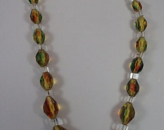 Multicolor Glass Bead Necklace from the 30's or 40's