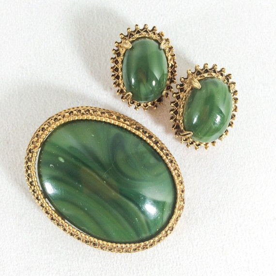 Vintage pins florenza gold with marquisite