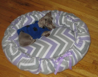 Dog or cat bed - Medium -
