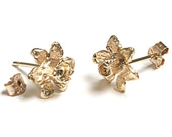 Solid 9ct Gold Flower stud Earrings Daffodils S667