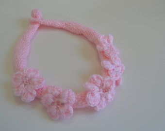 Floral Crochet necklace pink.