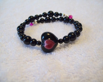 Lampwork Heart Focal Bead and Natural Black Onyx beaded Memory Wire Bracelet