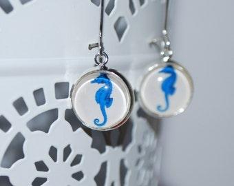 Long, dangling earrings and closing - blue seahorse