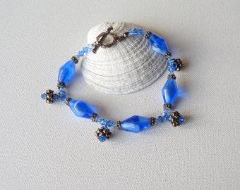 Vintage Silver Bracelet Blue Crystal Glass Bracelet, Periwinkle Boho Glass Bracelet,Dangle Bracelet, Retro Dangle Bracelet, Retro Jewelry