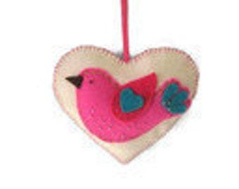 Woolfelt heart - Waldorf inspired - Waldorf gift - Felt decoration - Felt ornament - Felt bird