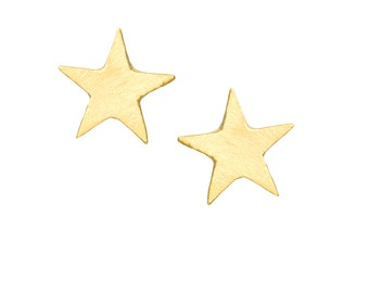 Star stud earrings // 14K solid gold tiny Star studs // Gold stars stud earrings // Everyday stylish star earrings for women // gold earring