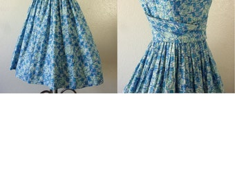 1950's Blue Atomic Print Summer Party Dress. Bust