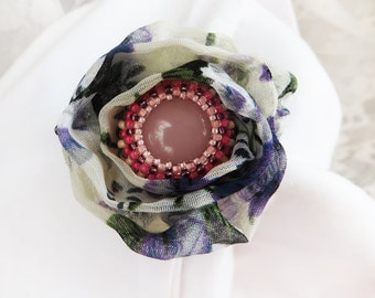Flower brooch pin / Floral Fabric Pin / Beaded Jewelry for Mother / Rustic Brooch Pin / Boho Chic Accessories