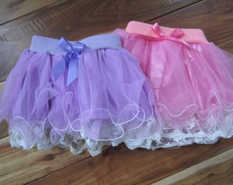 Adorable tutu skirt with lace trim.  Sizes 18 month through girls size 5T.