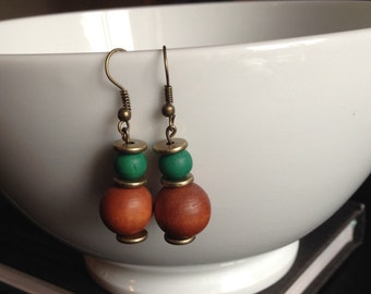 Earrings brass, gold, green and Brown wooden beads
