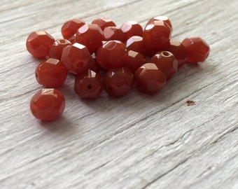 6mm glass faceted round beads milky caramel pack of 20 (F611)