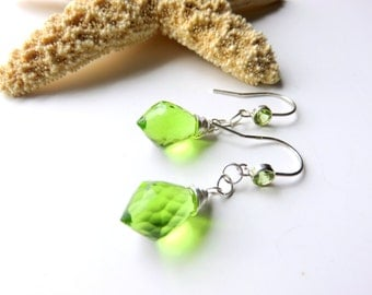 Peridot Drop Earrings - Lime Green Gemstone Earrings -  Wire Wrapped Faceted Quartz Earrings - August Birthstone - Peridot Dangle Earrings