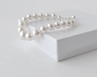 White Pearl Bracelet, Bridal Bracelet, Large Pearl Bracelet, Bridal Accessory, Chunky Bracelet, Bridesmaid Jewelry, LRichardsDesign