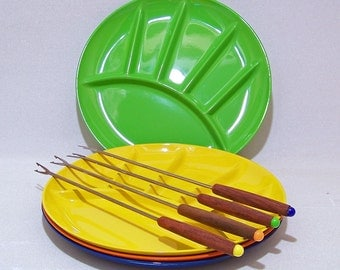Fondue Pot with 4 Divided Plates and 4 Matching Forks in Bright Citrus Colors 1970's Vintage set