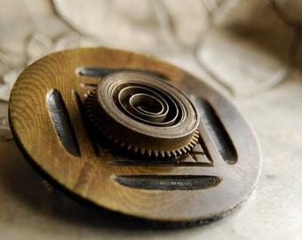 Vintage Button Brooch Spring Steam Faux Bois Brown Celluloid Steampunk Eco Friendly Jewelry Clock Gears Women Accessories Women Fashion