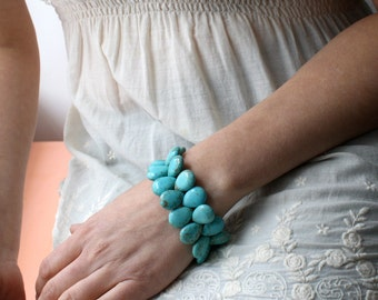 Turquoise Jewelry . Turquoise Breaded Bracelet . Turquoise Howlite Bracelet . Turquoise Teardrop Bracelet - Dolphin Collection