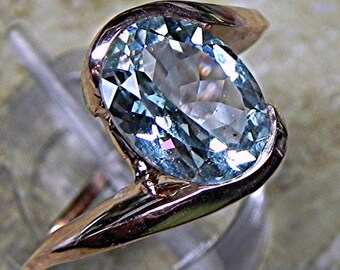 AAAA Blue Aquamarine   10x8mm  2.10 Carats   in 14K Rose gold ring  1703