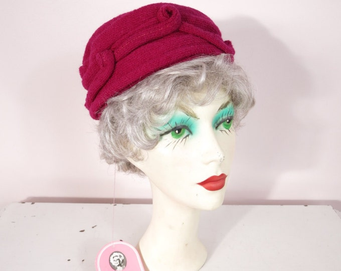 1960s Ruby Red Wool Pillbox Hat