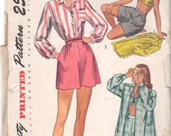 Simplicity 2462 1940s Misses Bra Top Blouse Shorts Pattern  Womens Vintage  Sewing Pattern Size 14 Bust 32