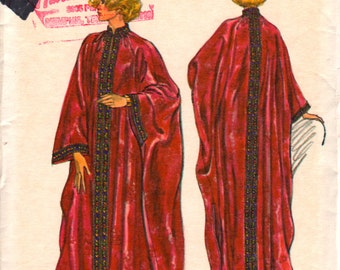 Vogue 9372 1970s Misses Evening Pullover CAFTAN Pattern  Womens Vintage Sewing Pattern Size Small Bust 31 32 UNCUT