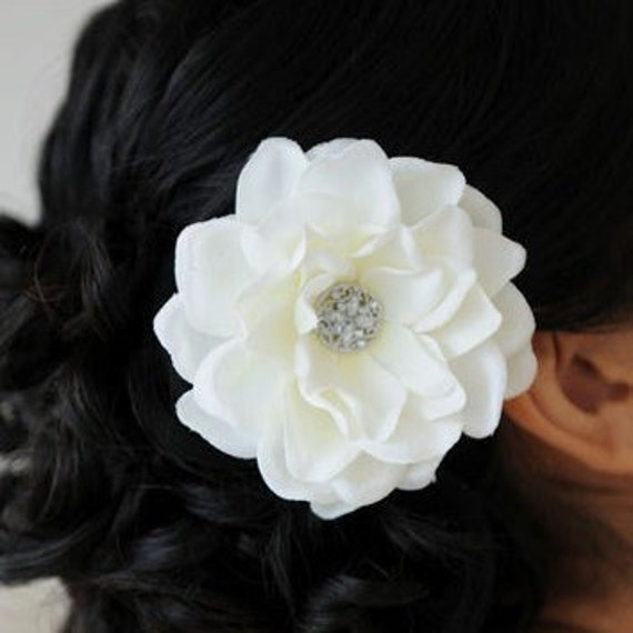 Bridal Antique White Gardenia Flower Fascinator Hair Clip Head Piece Brooch Pin Silk Flower Floral Headband Rhinestone Crystal 0152MD218