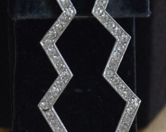 Pretty Vintage Zig Zag Rhinestone Pierced Earrings, Post Earrings, Silver tone (AD10)