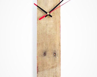 Pallet wood clock with red