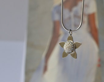 wedding necklace  pearly blossom