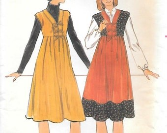 Butterick 4953-UNCUT 1970s Lace Front Jumper Vintage Sewing Pattern Bust 33 Boho Dress Lace up Front