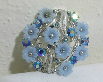Blue Lucite and Rhinestone Brooch Little Flowers Forget Me Not