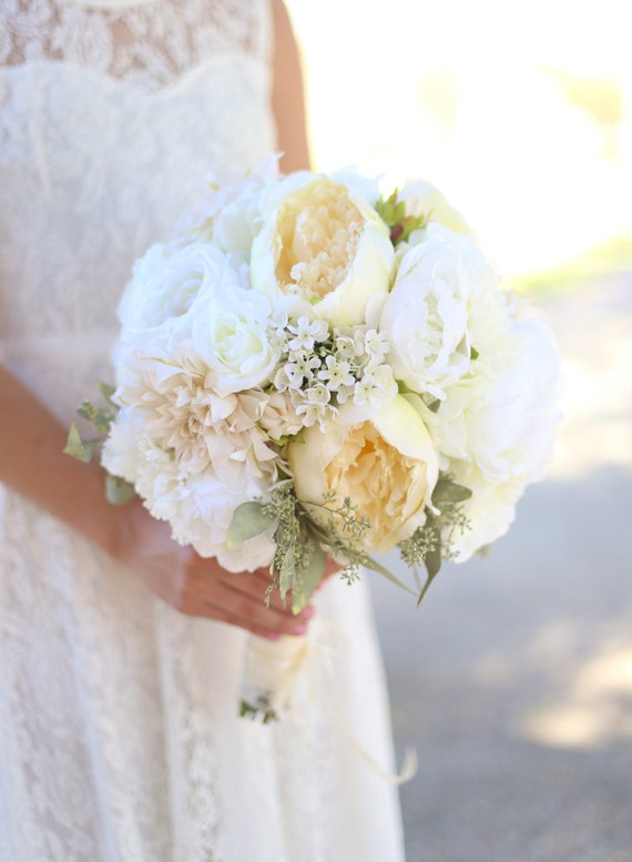 Items similar to silk bride bouquet white cream roses for Bouquet chic
