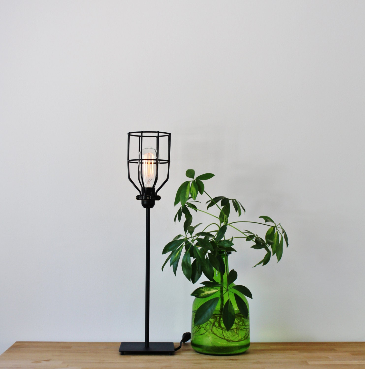 Table lamp vintage style - Basic Black Wire Cage Table Lamp Vintage Style Rustic Minimalist Desk Light Industrial Bootsngus Modern Home Office Lighting And Decor