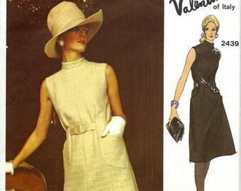 UNCUT * Vintage 1970 BEAUTIFUL Designer VALENTINO A-Line Dress Pattern * Vogue Couturier Design Pattern 2439 * Bust 32.5