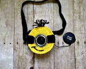 MINION CROCHET PATTERN Minion Camera lens buddy.  Crochet camera critter minion.  Photography prop