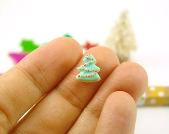 Polymer Clay Mold - Flexible Silicone Dollhouse Cookie Mold - Christmas Tree, Medium Size for 1/12 Scale and Food Jewelry Projects