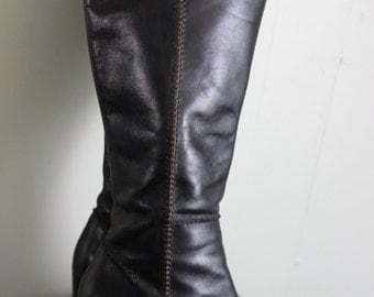 FREE SHIPPING   Liz Claiborne Ladies Black Leather Boots