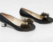 Vtg 60s Cute Rhinestone Chic Retro Delman Ostrich Feather Bow Mod Fabulous Mary Jane Shoes Size 8.5 AA