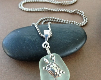 Cliff Walk Necklace - Sea Glass with Sterling Silver Sea Turtle Pendant Necklace